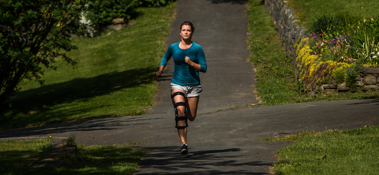 Runner in bionic knee brace