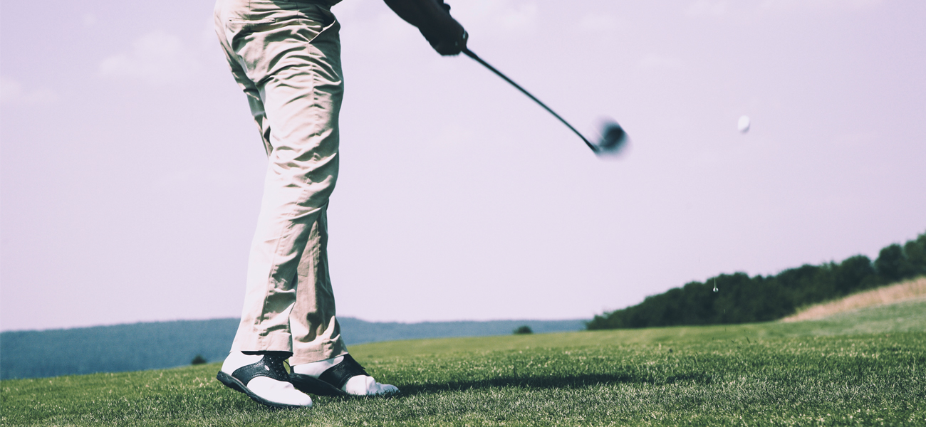 Golf player with meniscus injury