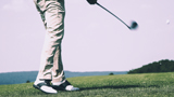 Golf player uses knee brace