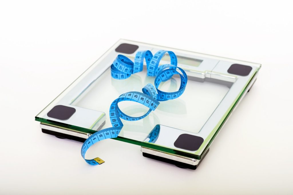 Bathroom scale with blue tapemeasure